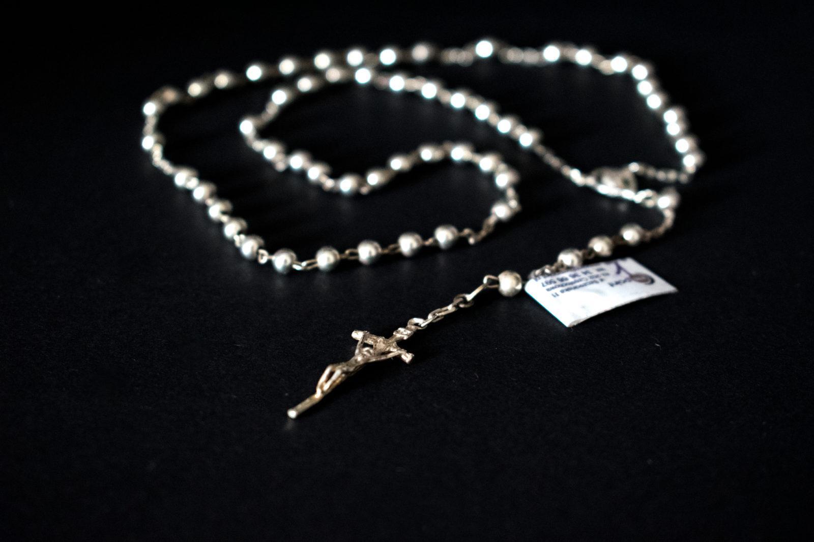 srebrny różaniec