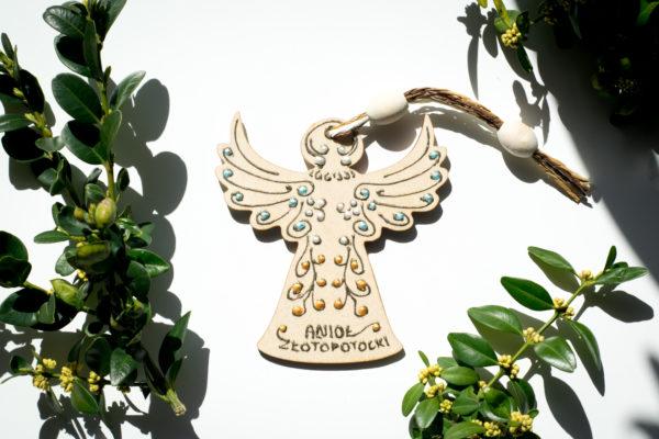 drewniany aniołek zawieszka